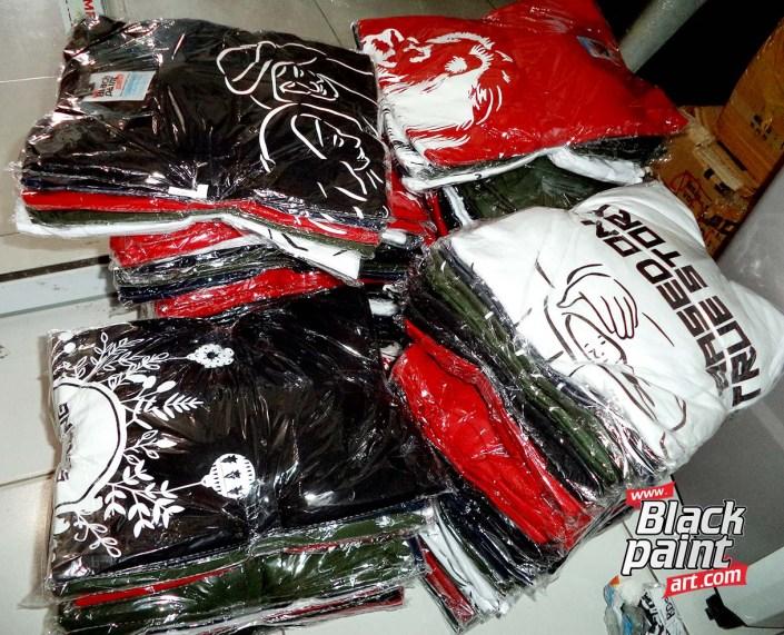 Lagi nyari tempat sablon baju kaos oblong di Pekanbaru? Sudah pernah nyoba nyablon di Blackpaint Art?