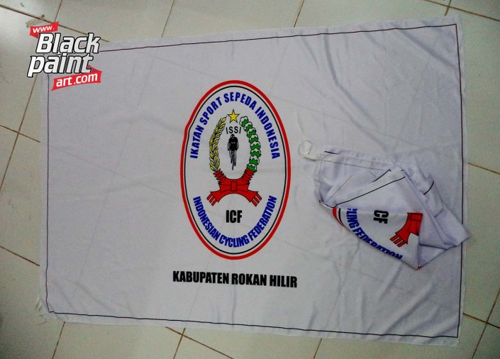 Blackpaint Art ini merupakan salah satu tempat sablon bendera di Pekanbaru lho