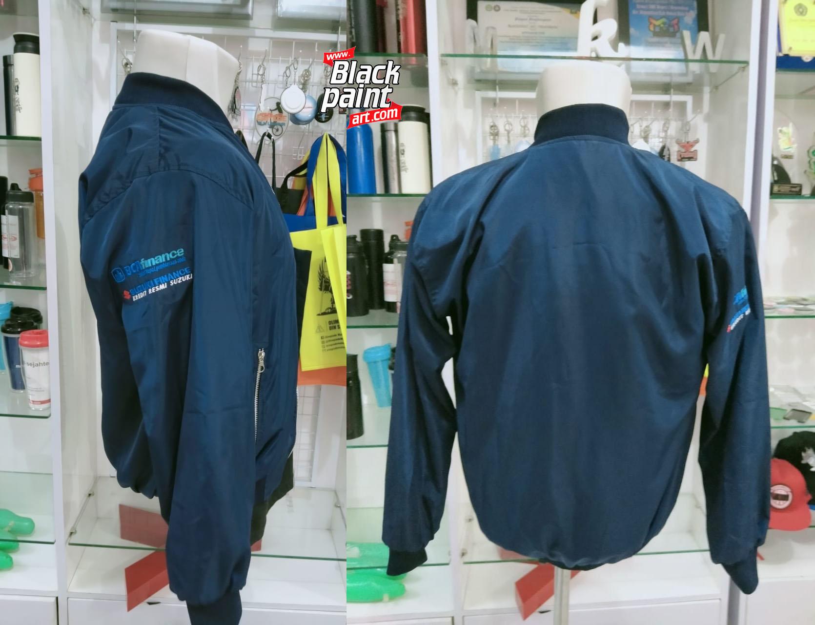 Hello, warga Pekanbaru! Apakah kamu sedang mencari dimana tempat buat bordir jaket di Pekanbaru? Gak usah bingung! Di Blackpaint Print Shop bisa kok.